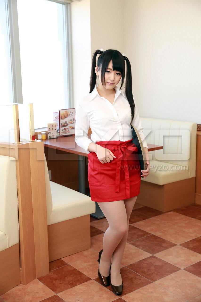 カフェでバイト中のロリっ娘をハメる~ミルクは多めでお願いします~